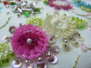 同心円のお花が2種類あります。