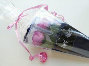 薔薇の花びらが浮かんで泡風呂になります。