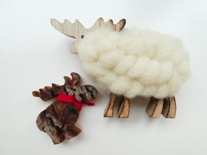 クリスマス用品のモコモコ羊です。