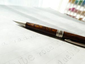 デザイン画とペンです。