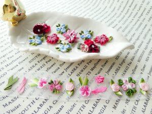 小花模様のリボン飾りです。