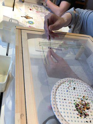 アリワークで糸刺繍の練習です。