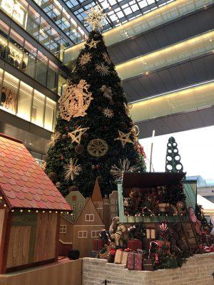 大きなクリスマスツリーです。