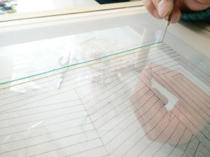 アリワークで直線を刺す練習中です。