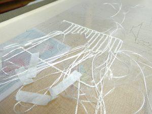 レーヨン糸でパティングをしています。