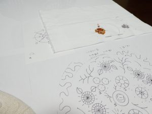 同心円の花の製図です。