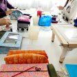 恵比寿のお教室では、大きなテーブルを囲んでアリワークと手刺しのレッスンです。