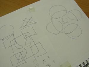 思いついたデザイン丸を組み合わせた図案、四角を組み合わせた図案を描いています。