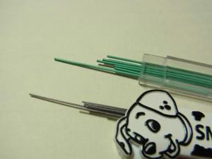 カリスマ ペンの方が、芯は若干太目です。