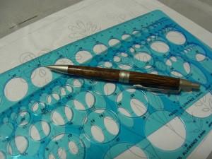 転写に必要なシャープペンとスケールです。