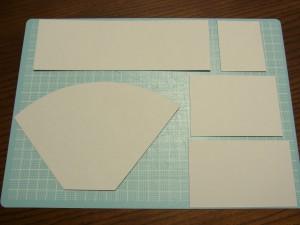 箱作りに使うパーツを5枚全てカットしました。