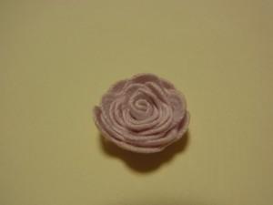 くねくねのブレードで作った薔薇の花が完成です。