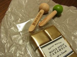 ビニール袋の開封口を止める木製クリップです。