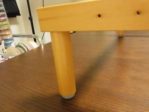 木枠についている足も円柱なので握りやすく、取り外しがやり易いです。