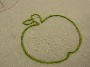 りんごの形に、全部ジグザグがかかっています。