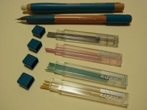 シャープペンタイプのチャコペンです。替え芯も多色あります。