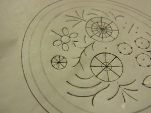図案の左端にある8等分の円形を刺します。