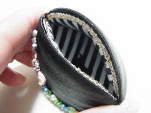 貝の口に中にアヒルのブレイドが貼ってあります。