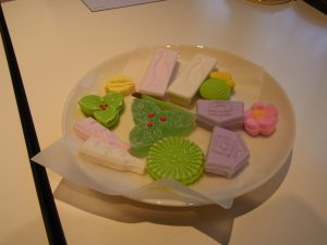 お正月をイメージする干菓子です。