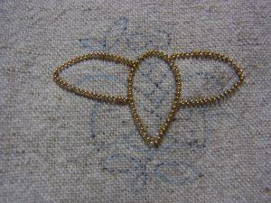 蜂の胴体と上の羽根で完成です。