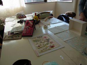 恵比寿でビーズ刺繍を楽しんでいます。