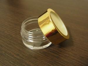 ピアス リング ピンブローチ 薬 クリームなどの収納に使える、蓋つきのアクリルケースです。