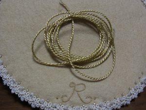 細い紐です。