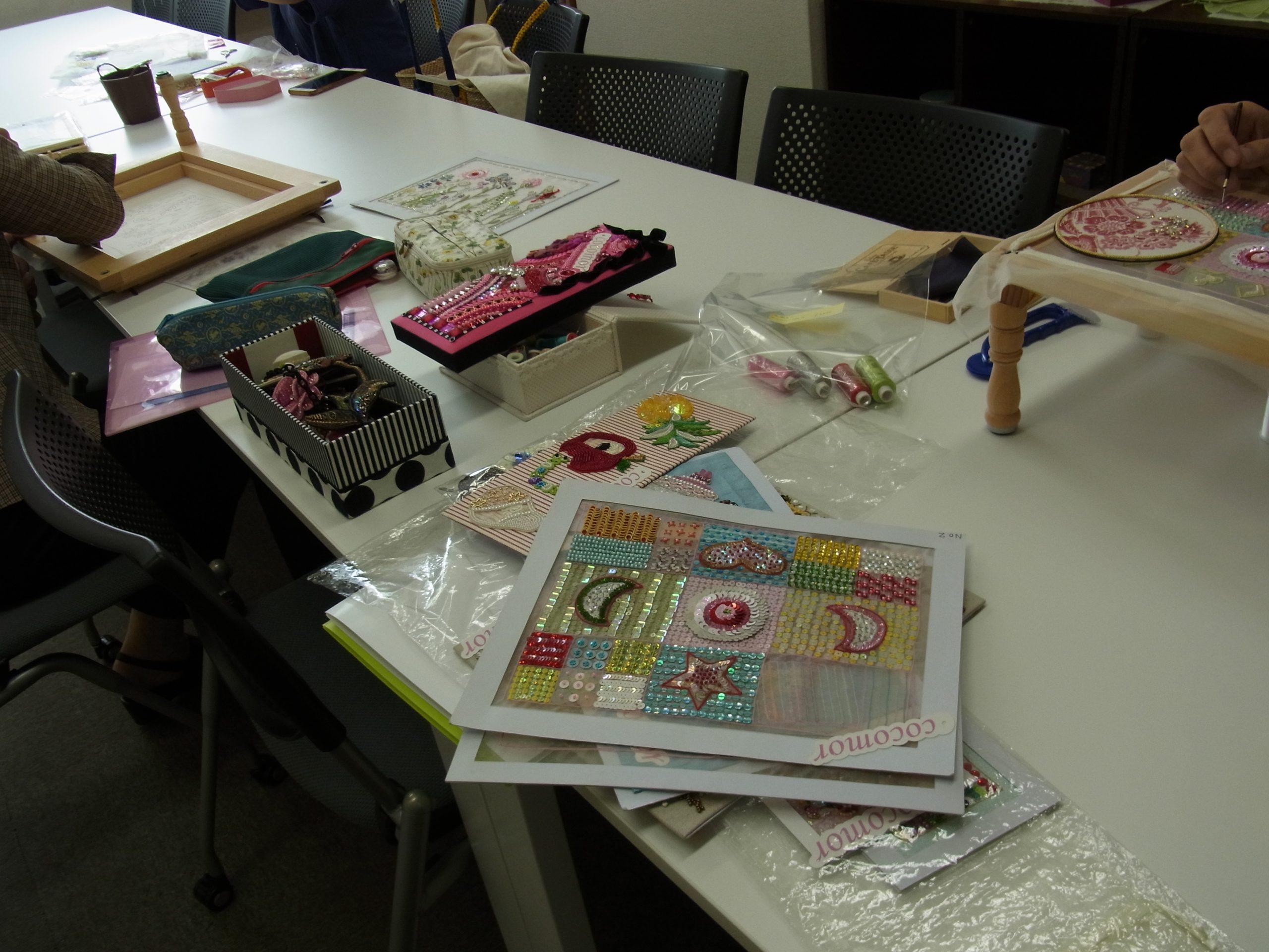 新宿校で、日暮里の生徒さんも一緒にレッスンをしています。