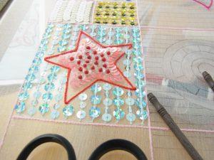 アリワークで星形を刺しました。