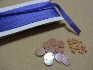 リボン刺繍とトップホール