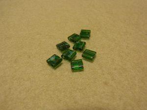 マーブル模様の正方形のビーズです。