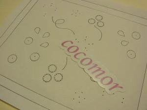 刺す前のデザイン画です。お花になる円と茎になる螺旋状の線が描いてあります。