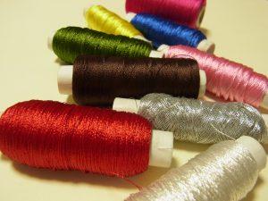 アリワークに使うレーヨン糸です。