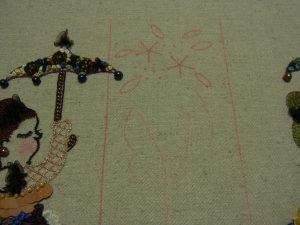 刺繍をする図案が書いてあります。葉と5等分にした線です。