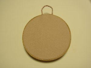 裏面は円形にフェルトが貼ってあります。