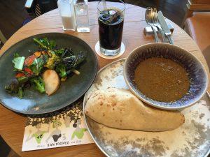 鎌倉野菜とキーマカレーです。